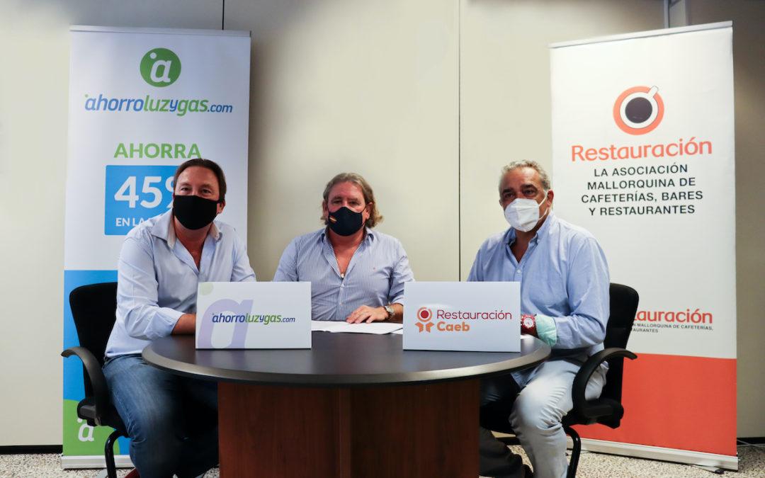 firma convenio CAEB Restauración